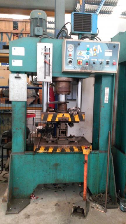 Prensa hidraulica Trunz 110