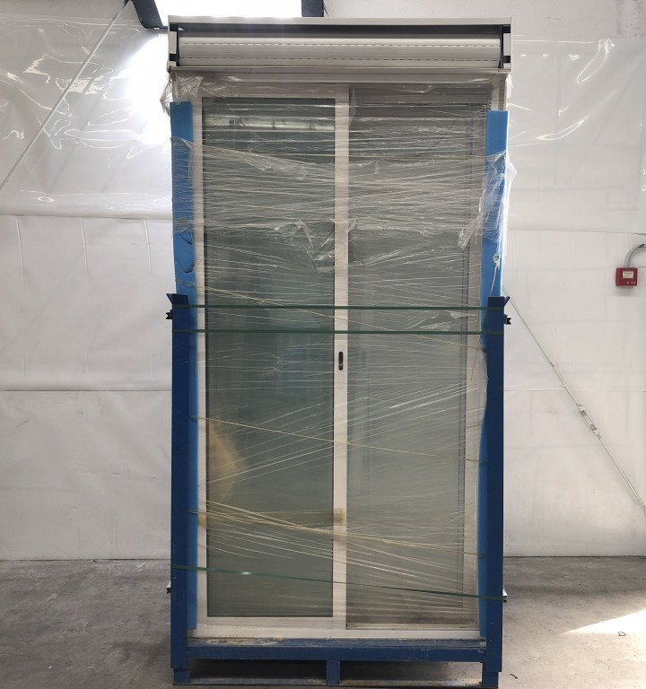 Puertas de corredera de aluminio puertas correderas de for Puerta corredera aluminio exterior