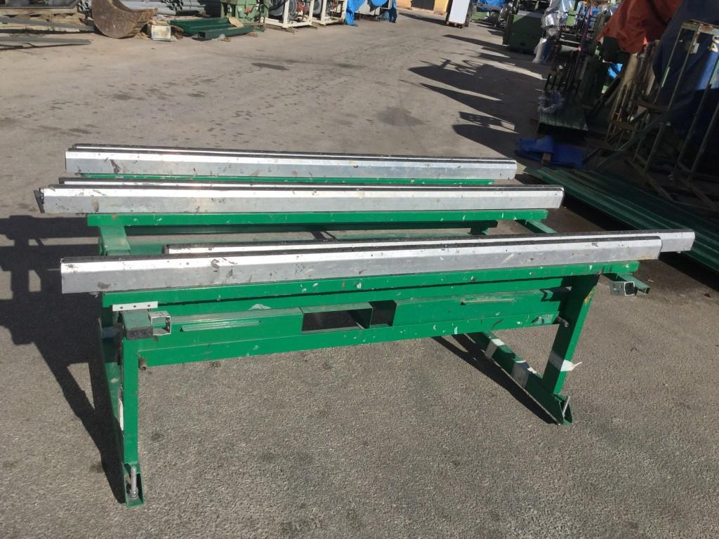 Mesa de montaje de aluminio extensible.