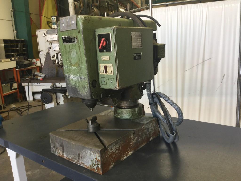 Remachadora industrial Bracker.