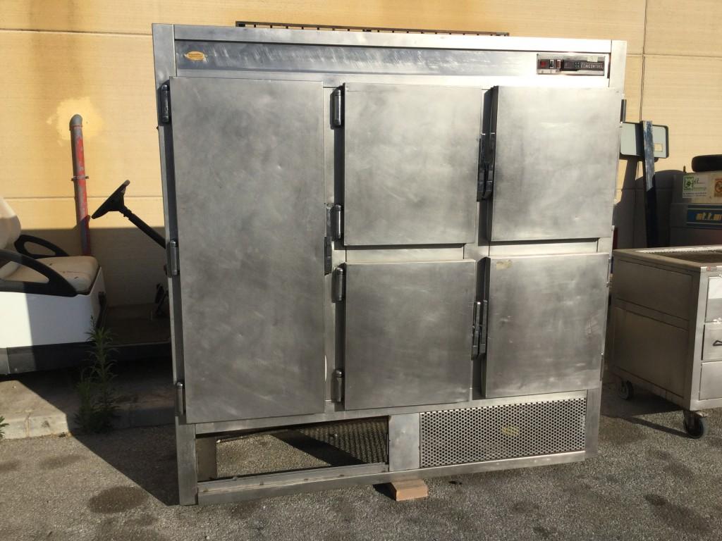 Armario frigorifico cinco puertas.