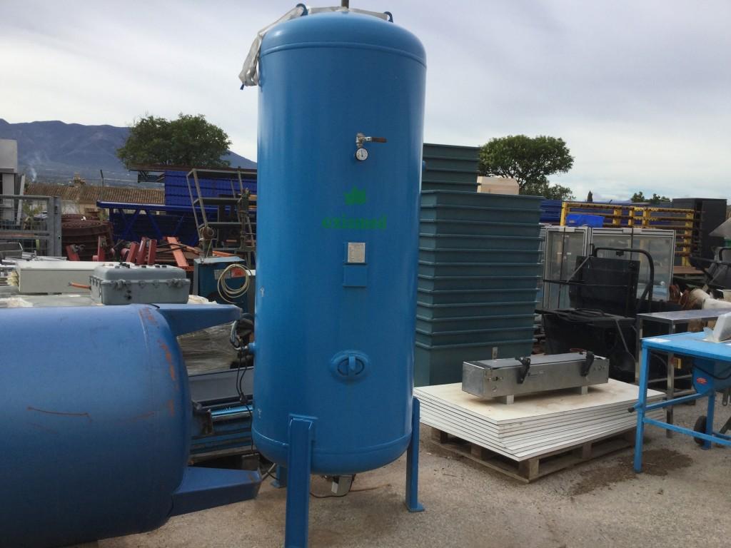Deposito de aire de 1000 litros con purgador Automatico Bekomat.