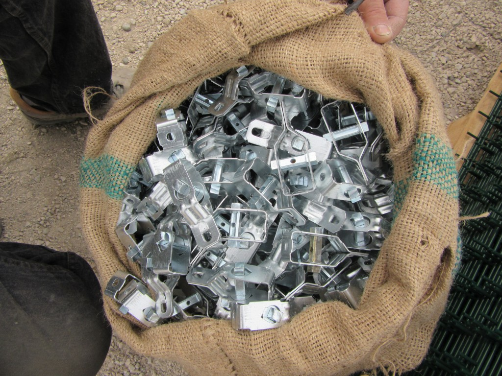 350 Und. Tensores zincados galvanizados.