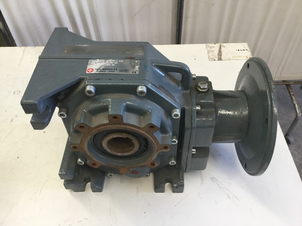 Reductor Pujol salida radial, rel 58,33 y 1200Nm