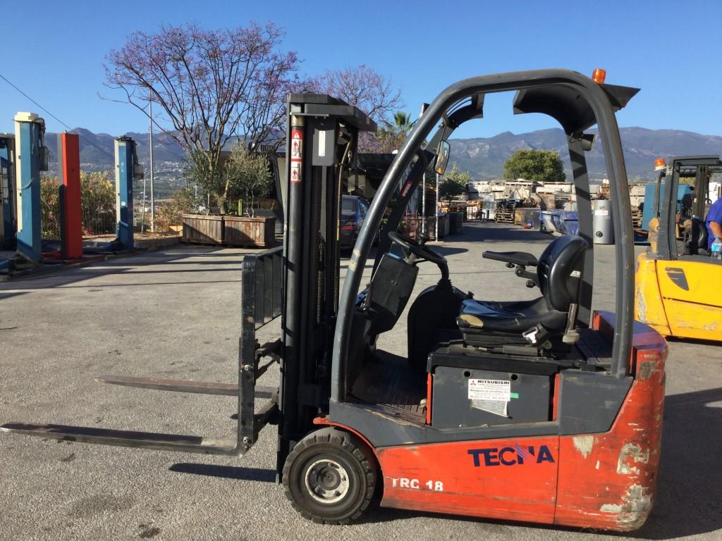 Carretilla  Electrica TECNA  TRC 18 de1.800 kg y 3.30 m de elevación