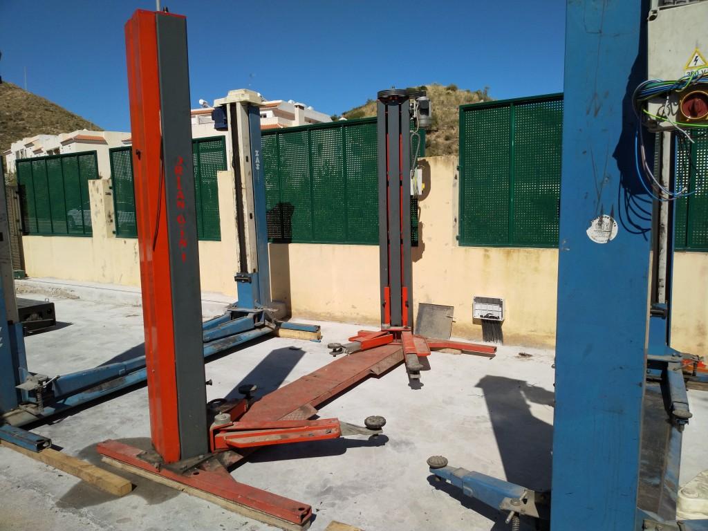 Elevador de automóviles de dos columnas ORLANDINI Tipo 120 / 2500kg